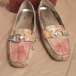 Womans Anne Klein shoes